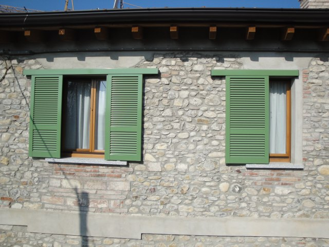 Dsr s a s produzione vendita e installazione serramenti in alluminio facciate continue e - Persiane per finestre scorrevoli ...