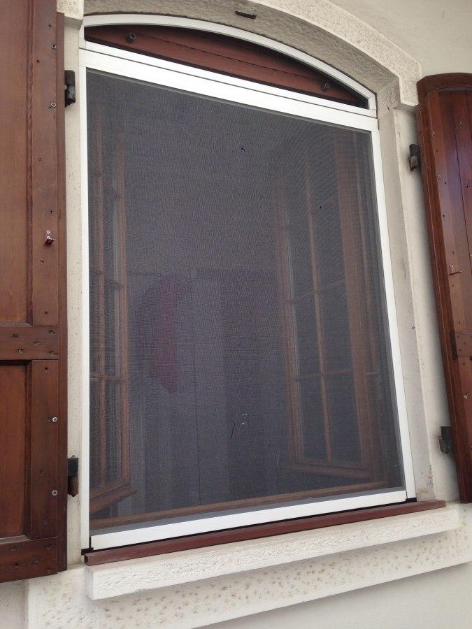Zanzariere with finestre tonde - Finestra ovale e finestra rotonda ...